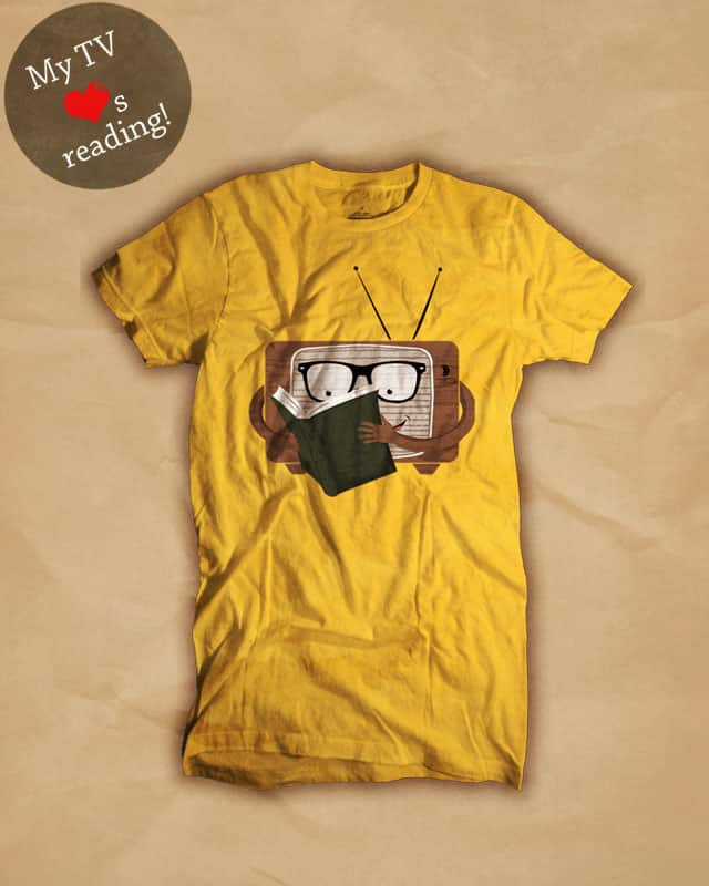 My TV loves Reading! by Arbeitsblatt on Threadless